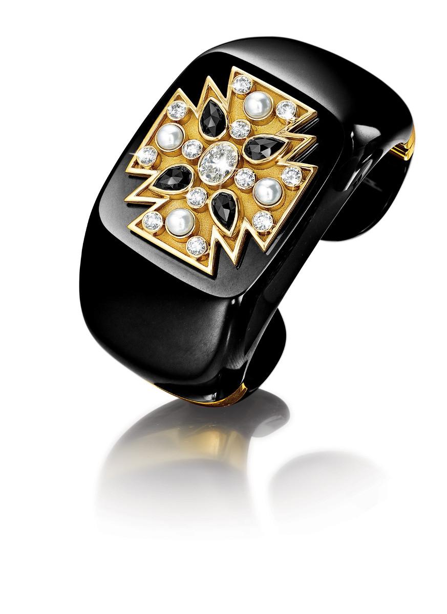maltese-stone-cuffs_blk-jade-blk-wht-diamonds_13_small