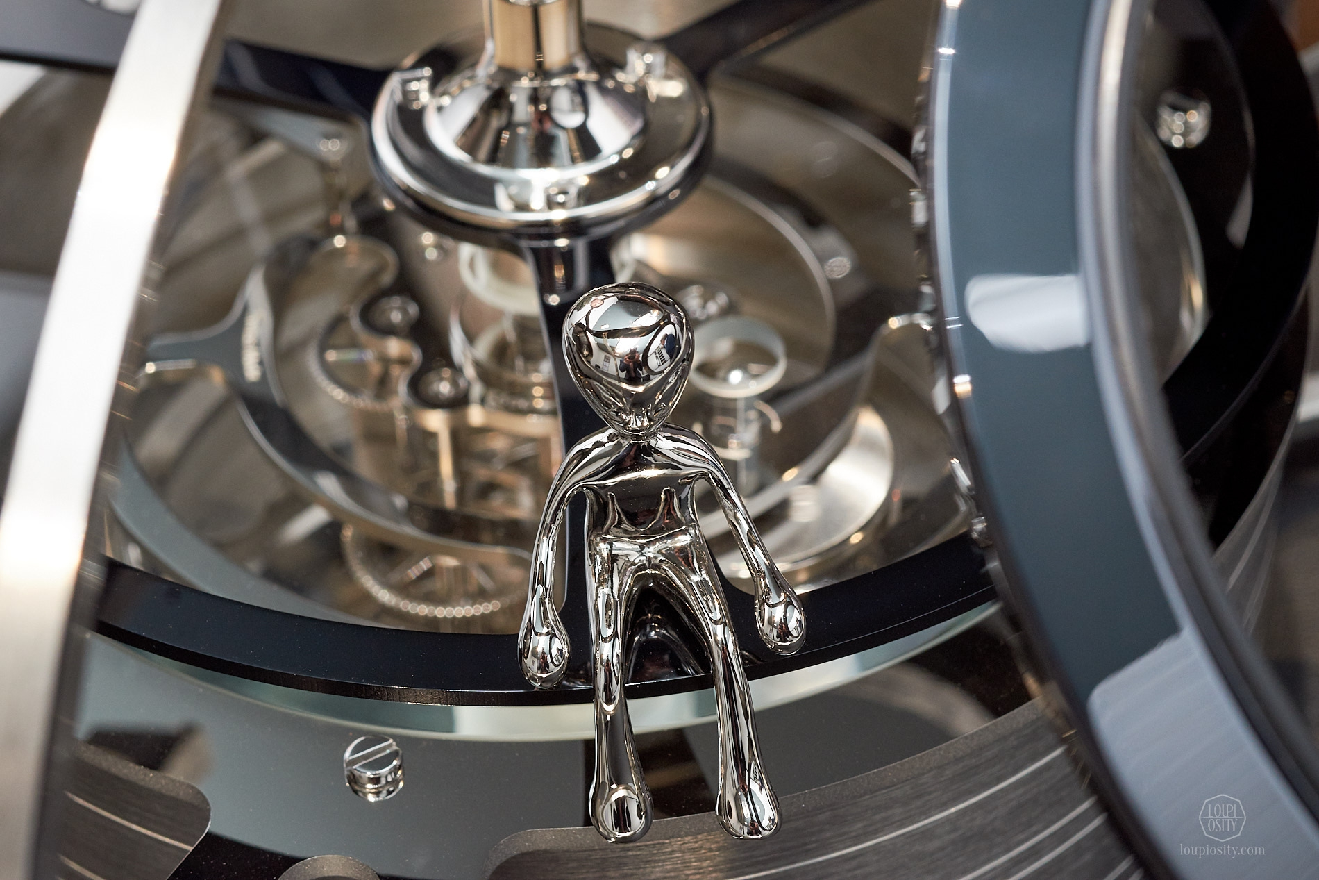 Face to face with Ross - MB&F and L'Epée - The Fifth Element