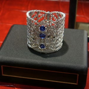 bracelet-diamonds-sapphires