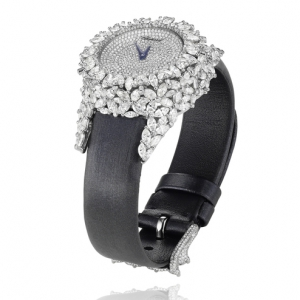 green-carpet-collection-watch-white-134330-1002