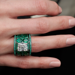 High Jewellery diamond and emerald ring