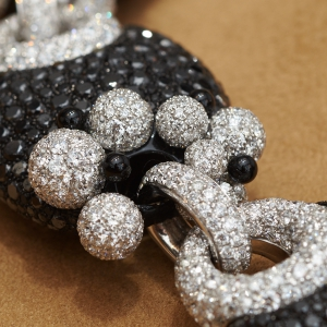 degrisogonHigh Jewellery black and white diamond necklace