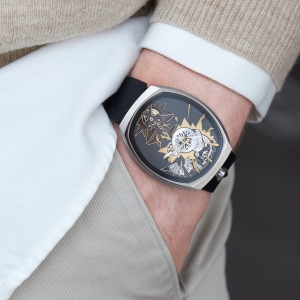 mechanical_entropy_gold_wristshot-1_fiona_kruger_chaos_watch
