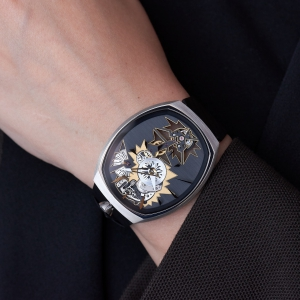 mechanical_entropy_gold_wristshot-2_fiona_kruger_chaos_watch
