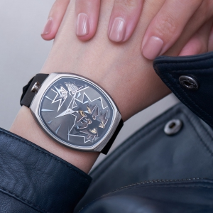 entropy-1_black_wristshot-2_fiona_kruger_chaos_watch