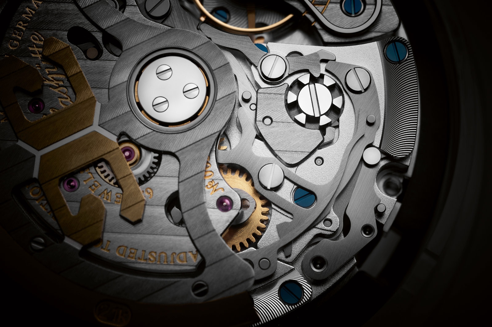 calibre-37_movement-detail-1_25cm