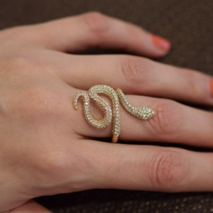 Snakes ring