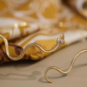 Snakes choker