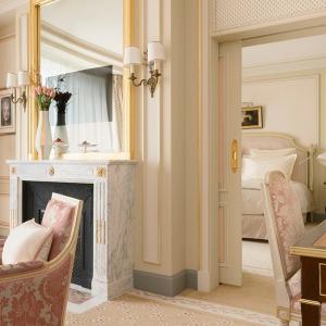 ritz-paris-hotel-suite-executive-2_0