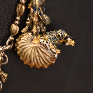 Nef necklace