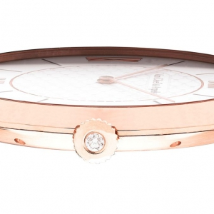 03_the_pierre_arpels_detail_of_the_watch_s_profile