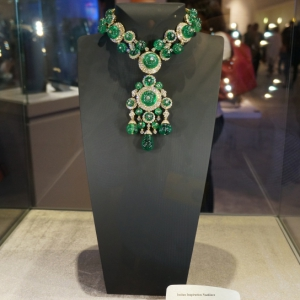 indian-inspiration-diamonds-emeralds