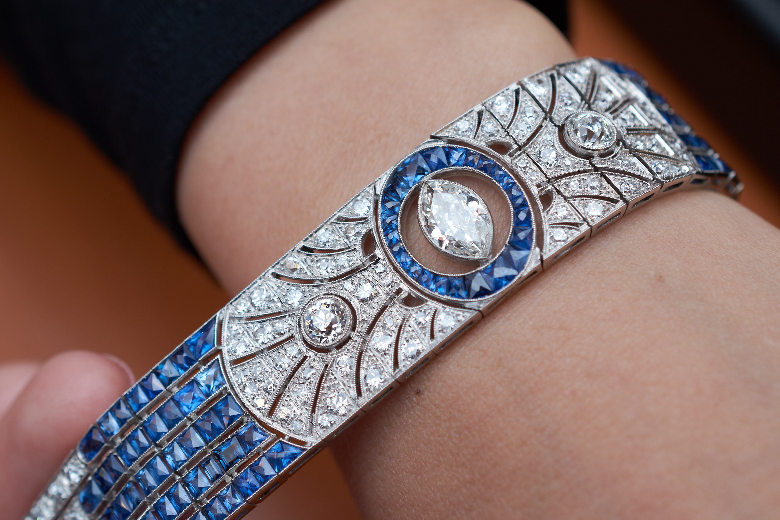 Antiquorum, Art Deco bracelet, sapphire-diamond, 1930s